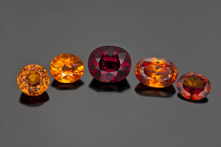 garnet-spessartite garnet group— photo by R. Weldon